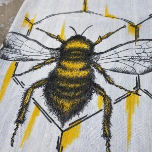 Bee (Sz 34)